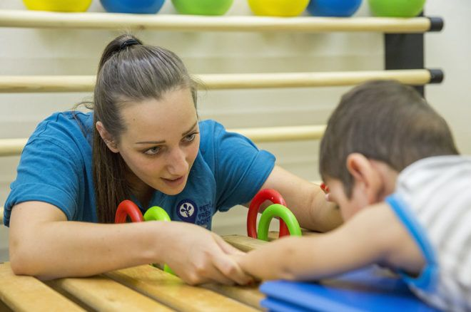 Mozgássérült gyerekeken segít a Washington melletti magyar iskola.jpg